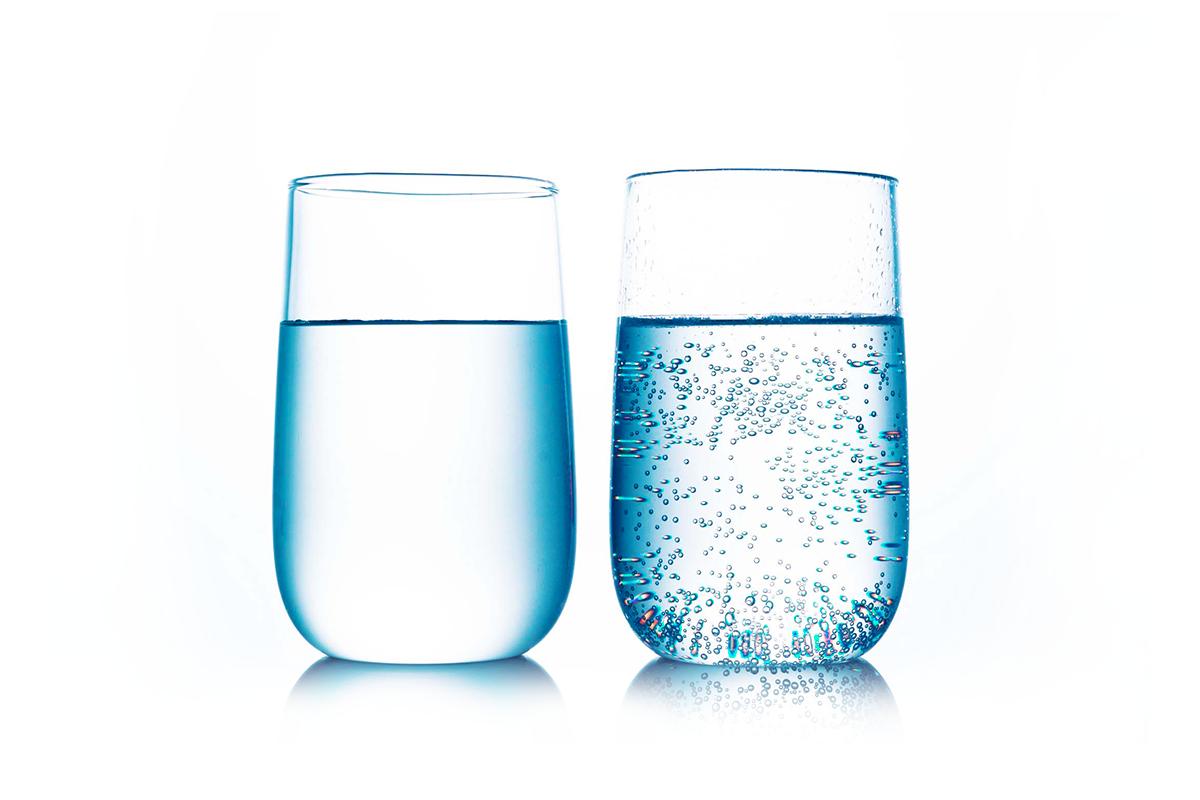benefici acqua frizzante